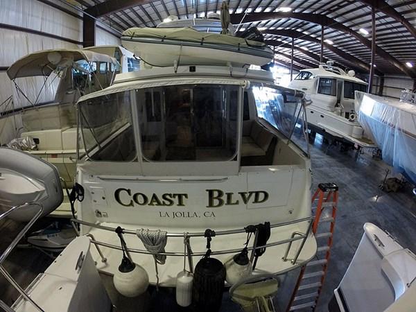 04ProfileStern 2004 NAVIGATOR 5700 Rival Pilothouse Motor Yacht 2708983