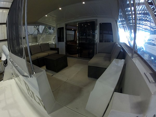 06CockpitWide 2004 NAVIGATOR 5700 Rival Pilothouse Motor Yacht 2708985