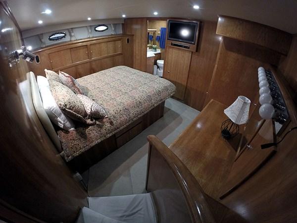 17MSRWide 2004 NAVIGATOR 5700 Rival Pilothouse Motor Yacht 2708996