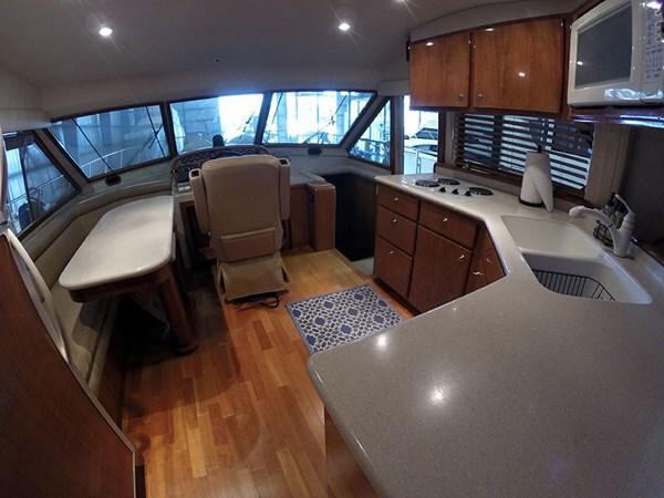 22PHFWDWide 2004 NAVIGATOR 5700 Rival Pilothouse Motor Yacht 2709001