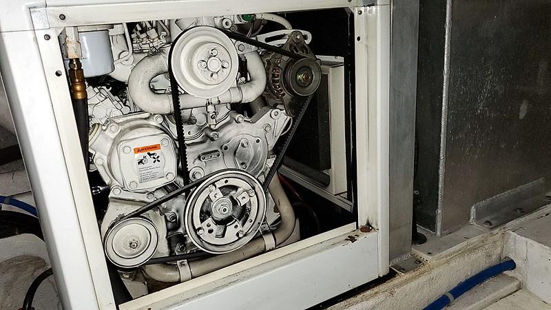 54ELECGenset1 2004 NAVIGATOR 5700 Rival Pilothouse Motor Yacht 2709033