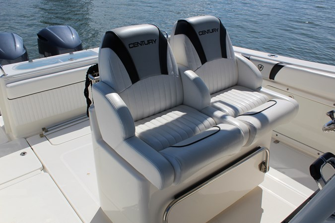 Helm Bolster Seats 2014 CENTURY 3200 Center Console Center Console 2709334