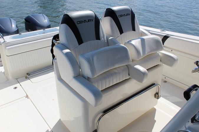 Helm Bolster Seats 2014 CENTURY 3200 Center Console Center Console 2709335