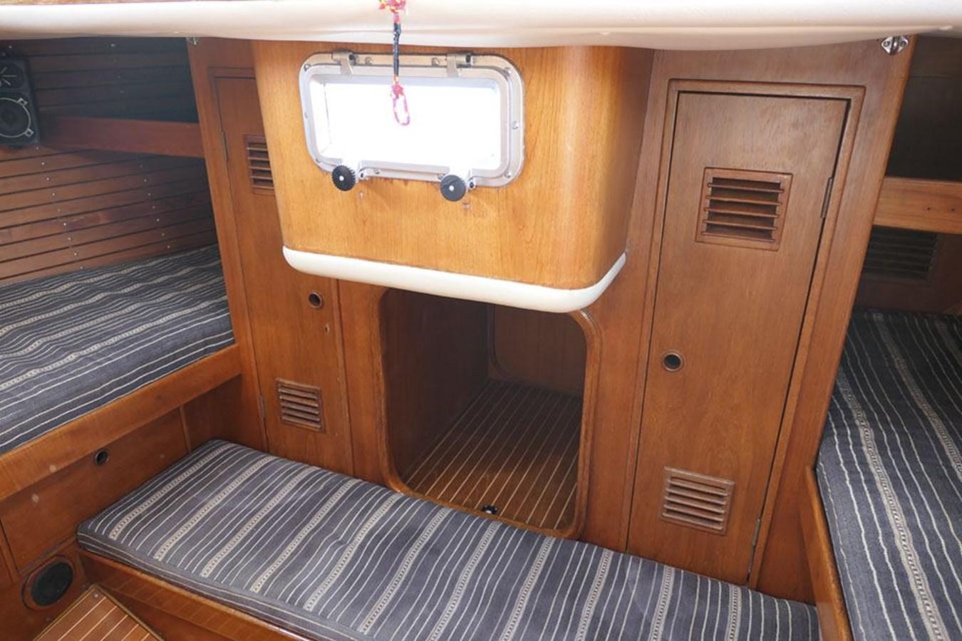 nautor-swan-44-23 1973 NAUTOR'S SWAN Nautor Swan 44 Cruising Sailboat 2709889