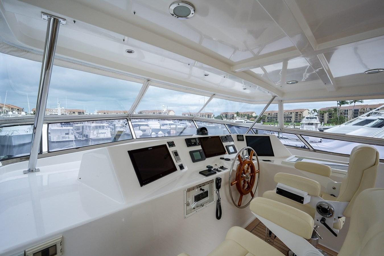 Tout Va Bien_Flybridge12 2005 GRAND BANKS 64 Aleutian RP Motor Yacht 2726085