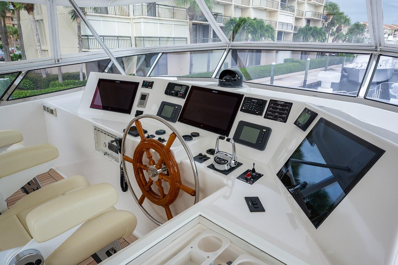 Tout Va Bien_Flybridge16 2005 GRAND BANKS 64 Aleutian RP Motor Yacht 2726088
