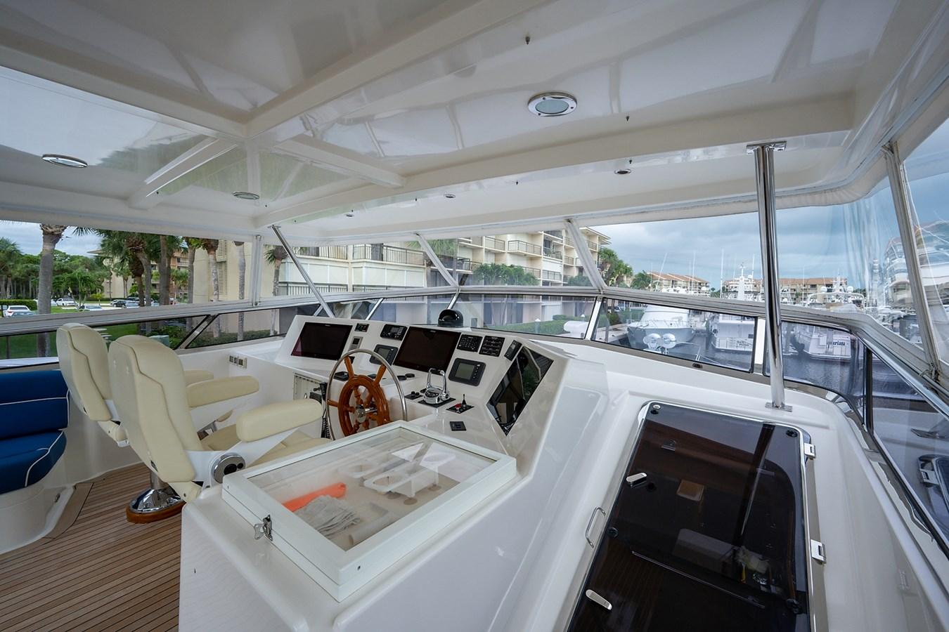 Tout Va Bien_Flybridge15 2005 GRAND BANKS 64 Aleutian RP Motor Yacht 2726090