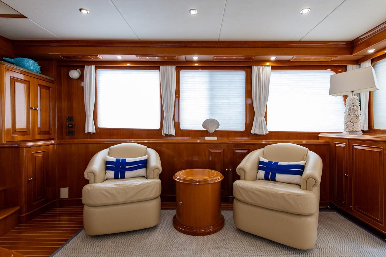 Tout Va Bien_Salon2 2005 GRAND BANKS 64 Aleutian RP Motor Yacht 2726091