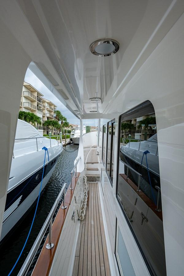Tout Va Bien_Bow1 2005 GRAND BANKS 64 Aleutian RP Motor Yacht 2726092