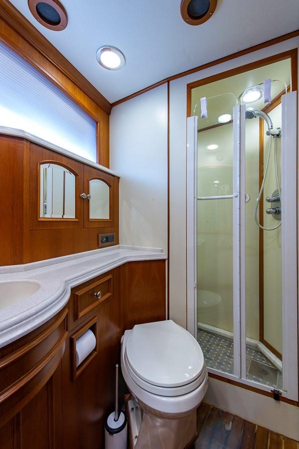 Tout Va Bien_Forward Head2 2005 GRAND BANKS 64 Aleutian RP Motor Yacht 2726097