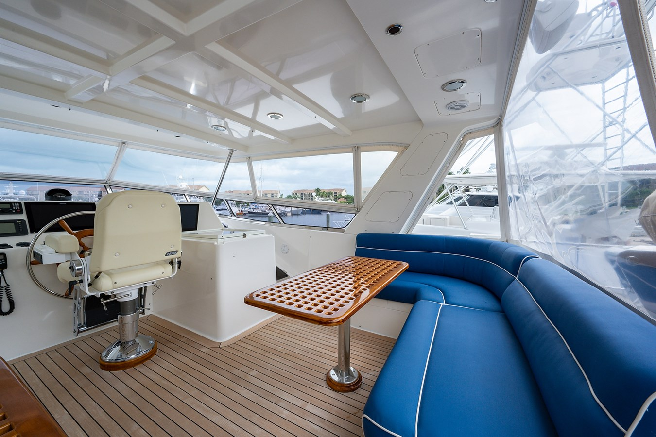 Tout Va Bien_Flybridge7 2005 GRAND BANKS 64 Aleutian RP Motor Yacht 2726098