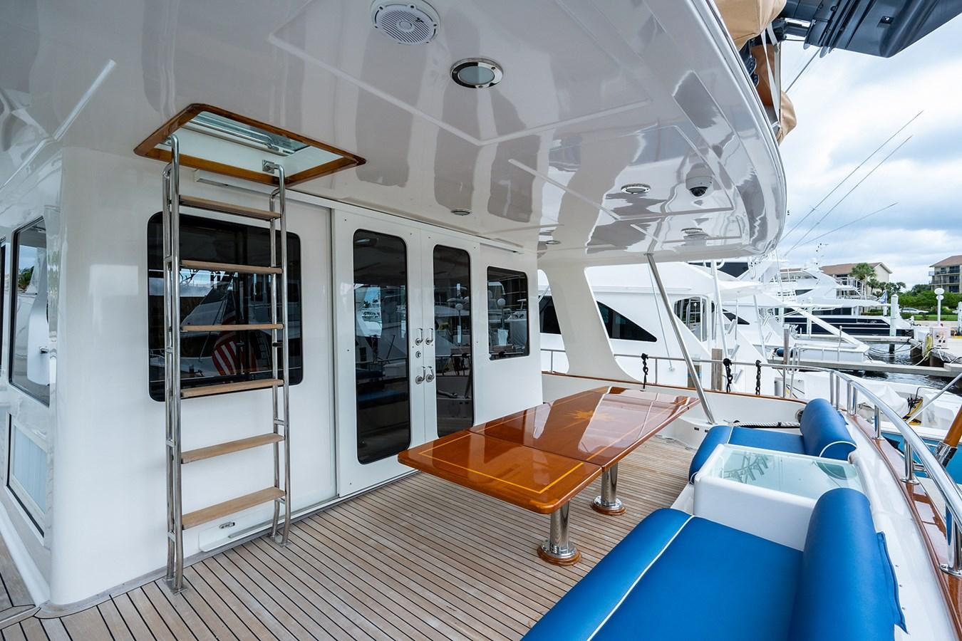 Tout Va Bien_Aft Deck4 2005 GRAND BANKS 64 Aleutian RP Motor Yacht 2726099