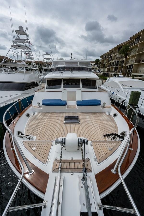 Tout Va Bien_Bow6 2005 GRAND BANKS 64 Aleutian RP Motor Yacht 2726104