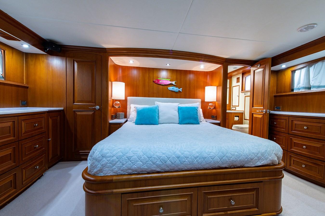 Tout Va Bien_Master Stateroom2 2005 GRAND BANKS 64 Aleutian RP Motor Yacht 2726114