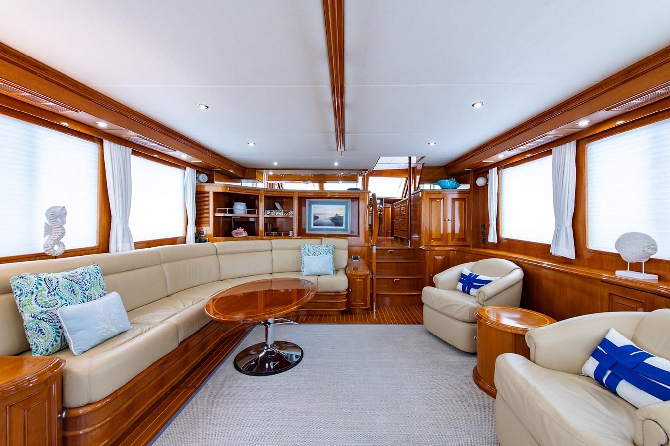 Tout Va Bien_Salon1 2005 GRAND BANKS 64 Aleutian RP Motor Yacht 2726122