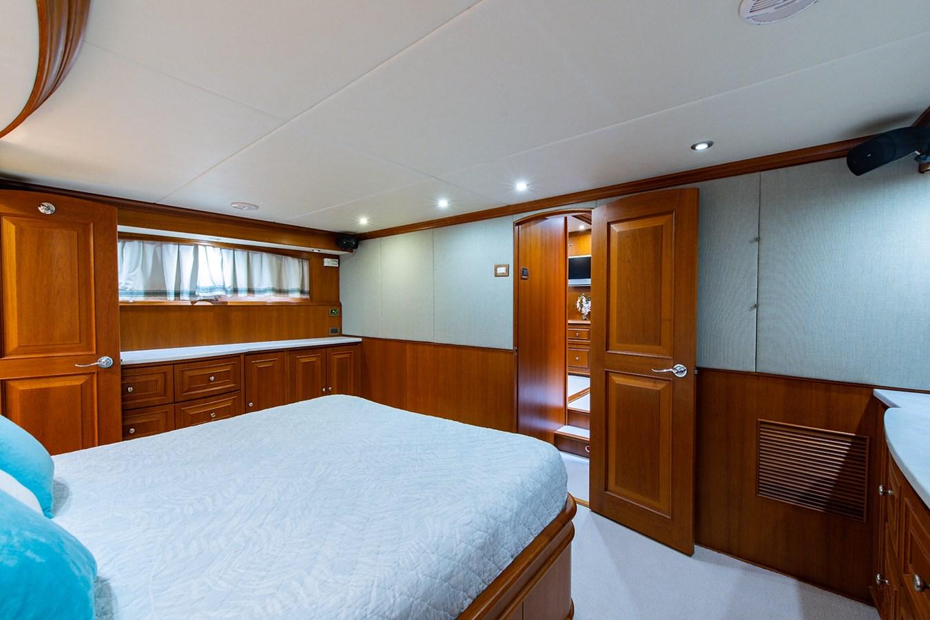 Tout Va Bien_Master Stateroom6 2005 GRAND BANKS 64 Aleutian RP Motor Yacht 2726124