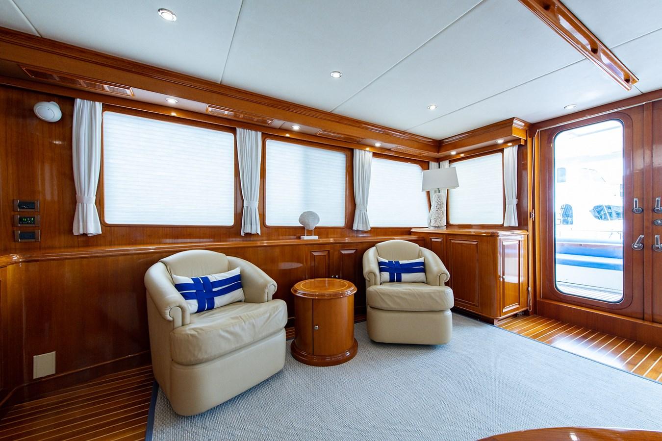 Tout Va Bien_Salon3 2005 GRAND BANKS 64 Aleutian RP Motor Yacht 2726127