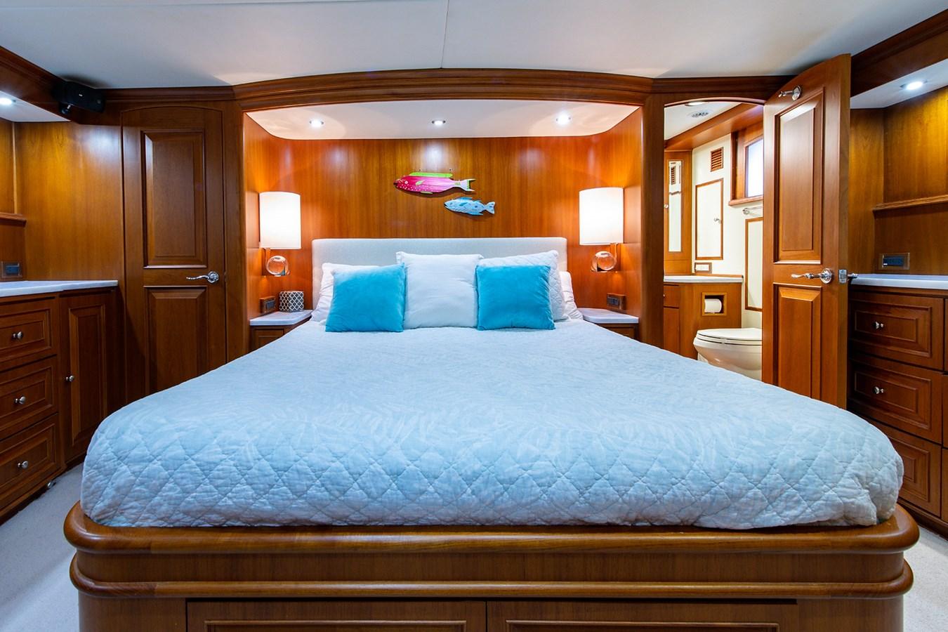 Tout Va Bien_Master Stateroom1 2005 GRAND BANKS 64 Aleutian RP Motor Yacht 2726134