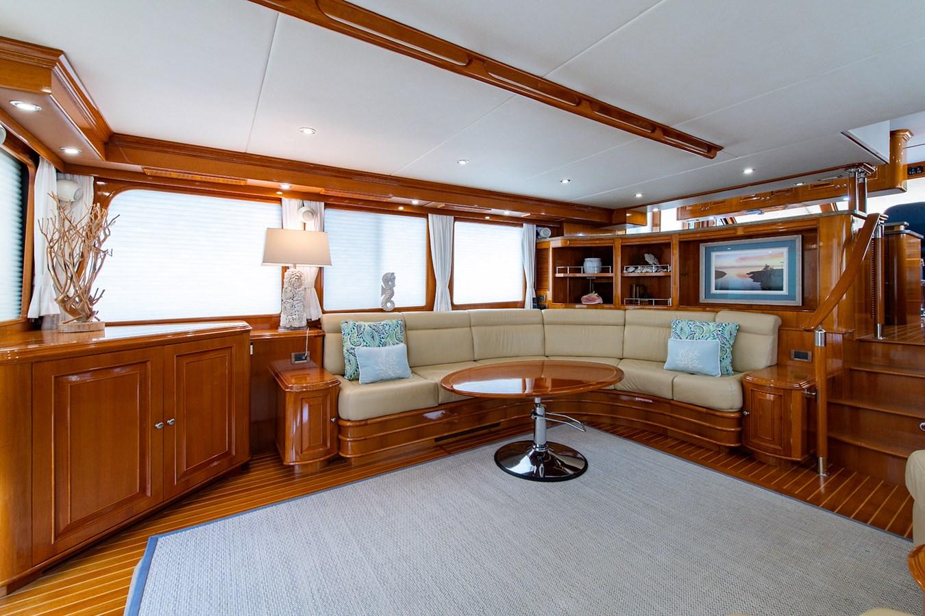 Tout Va Bien_Salon7 2005 GRAND BANKS 64 Aleutian RP Motor Yacht 2726137