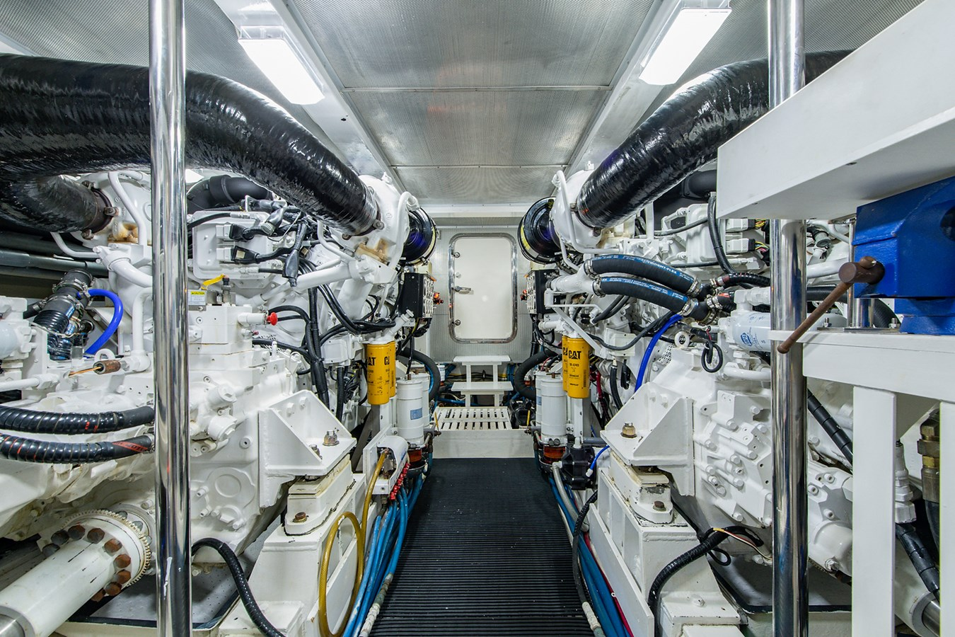 Tout Va Bien_Engine Room1 2005 GRAND BANKS 64 Aleutian RP Motor Yacht 2726142