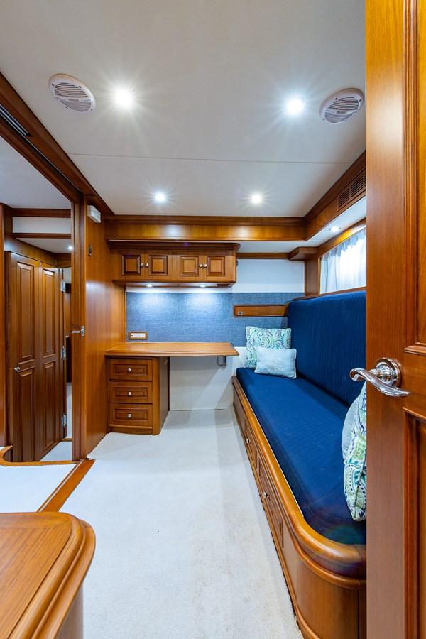 Tout Va Bien_Guest Stateroom-Den6 2005 GRAND BANKS 64 Aleutian RP Motor Yacht 2726143