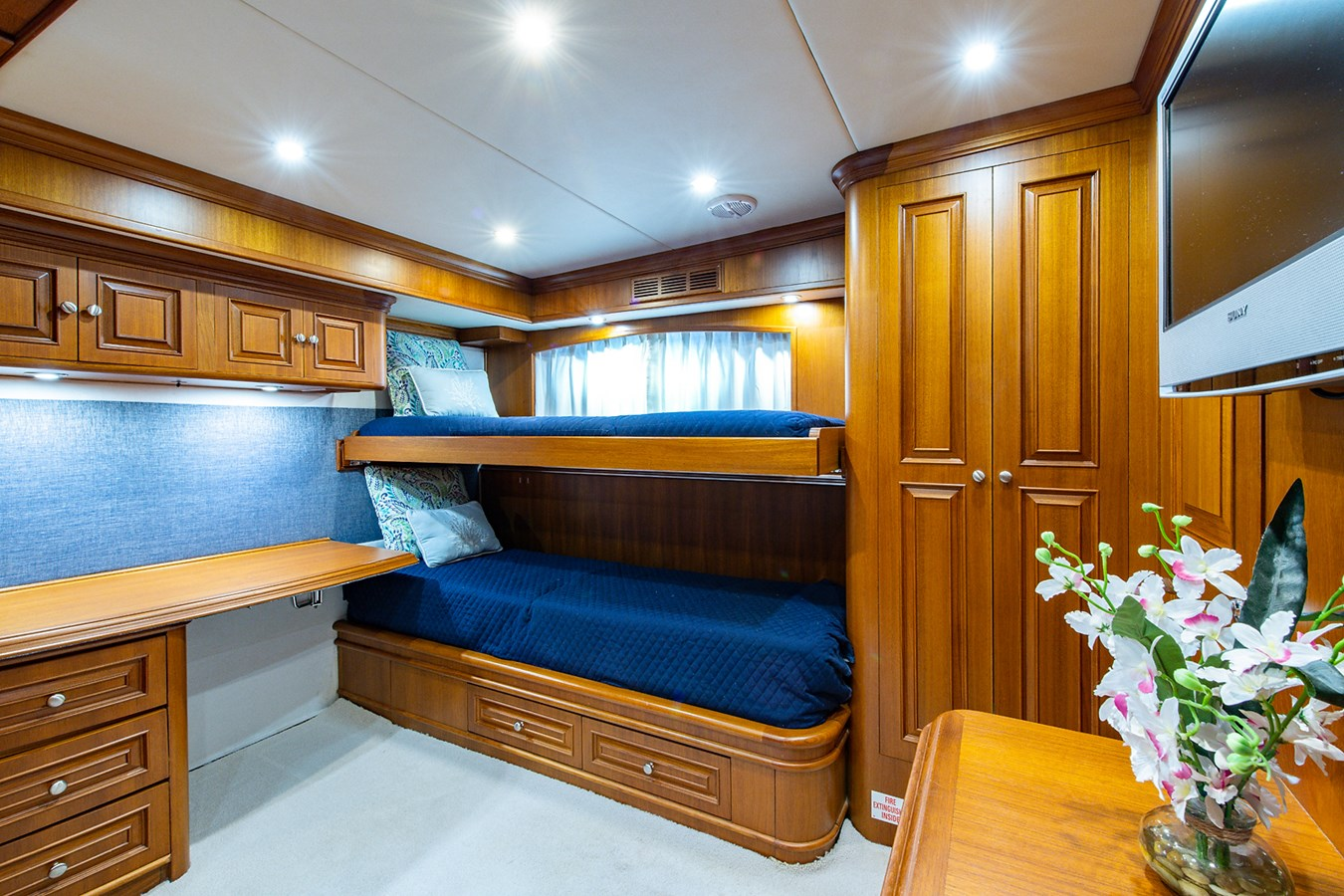 Tout Va Bien_Guest Stateroom-Den2 2005 GRAND BANKS 64 Aleutian RP Motor Yacht 2726151