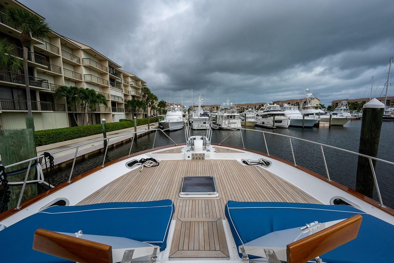 Tout Va Bien_Bow3 2005 GRAND BANKS 64 Aleutian RP Motor Yacht 2726156