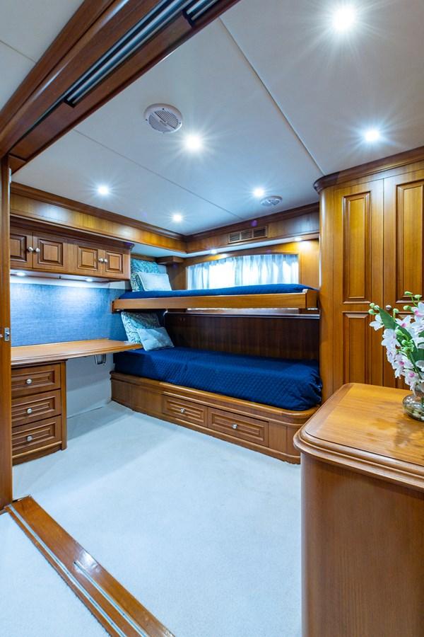 Tout Va Bien_Guest Stateroom-Den1 2005 GRAND BANKS 64 Aleutian RP Motor Yacht 2726170