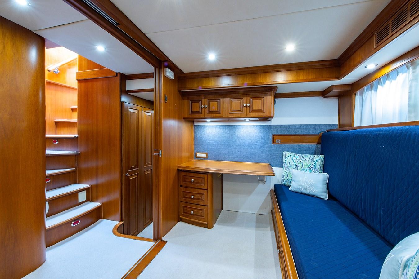 Tout Va Bien_Guest Stateroom-Den7 2005 GRAND BANKS 64 Aleutian RP Motor Yacht 2726174