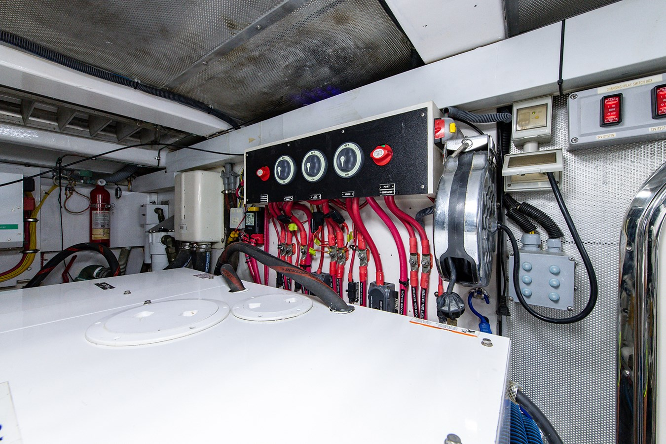 Tout Va Bien_Engine Room9 2005 GRAND BANKS 64 Aleutian RP Motor Yacht 2726182