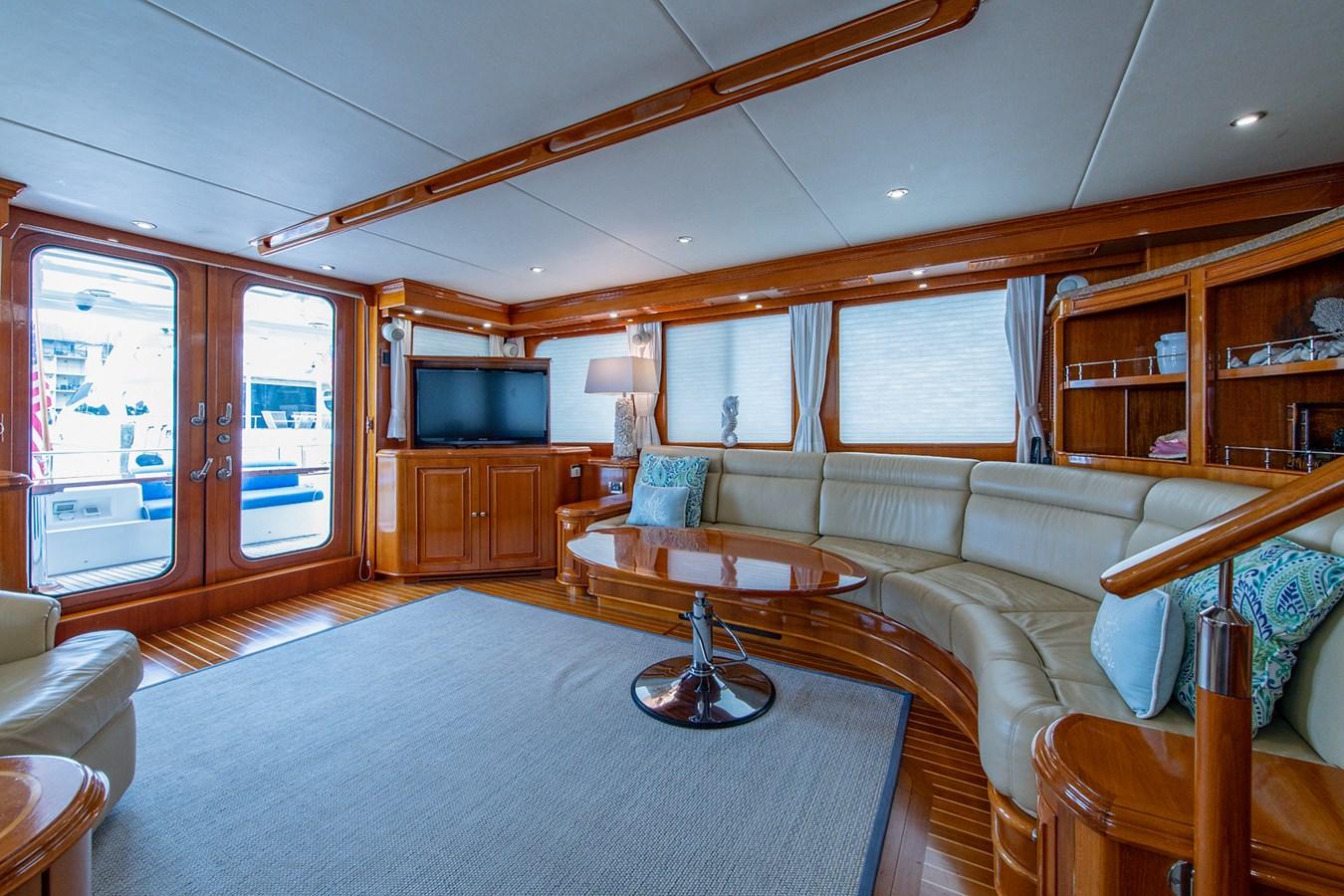 Tout Va Bien_Salon5 2005 GRAND BANKS 64 Aleutian RP Motor Yacht 2726183