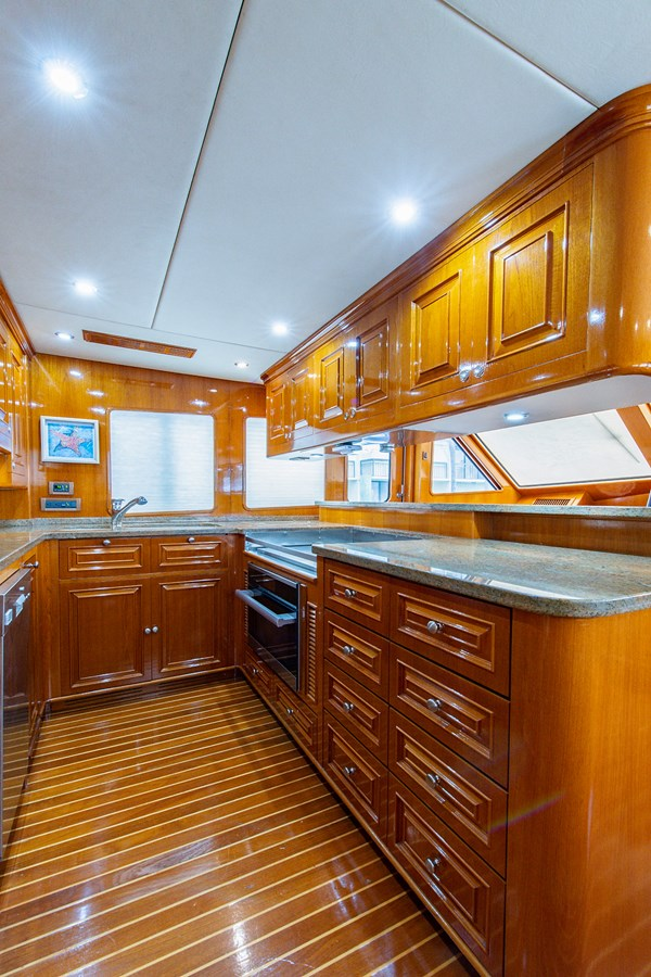 Tout Va Bien_Galley3 2005 GRAND BANKS 64 Aleutian RP Motor Yacht 2726184