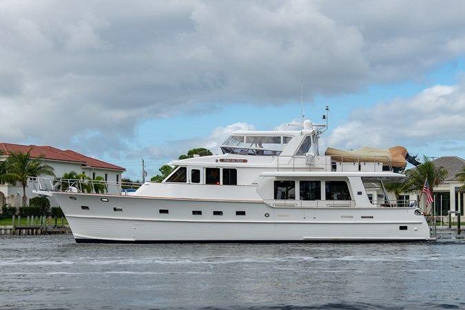 Tout Va Bien_Port Profile2 2005 GRAND BANKS 64 Aleutian RP Motor Yacht 2726087
