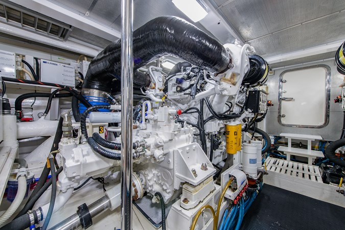 Tout Va Bien_Engine Room3 2005 GRAND BANKS 64 Aleutian RP Motor Yacht 2726146