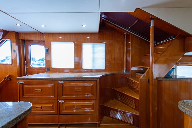 Tout Va Bien_Galley7 2005 GRAND BANKS 64 Aleutian RP Motor Yacht 2726154