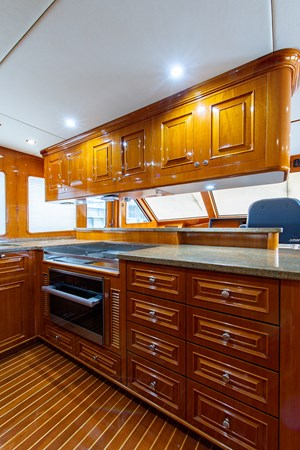 Tout Va Bien_Galley4 2005 GRAND BANKS 64 Aleutian RP Motor Yacht 2726157
