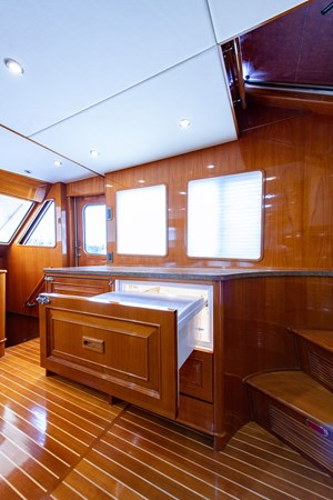 Tout Va Bien_Galley9 2005 GRAND BANKS 64 Aleutian RP Motor Yacht 2726159