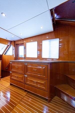 Tout Va Bien_Galley8 2005 GRAND BANKS 64 Aleutian RP Motor Yacht 2726172