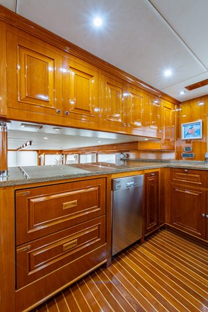 Tout Va Bien_Galley5 2005 GRAND BANKS 64 Aleutian RP Motor Yacht 2726187