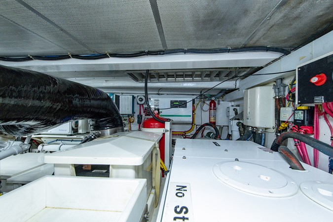 Tout Va Bien_Engine Room8 2005 GRAND BANKS 64 Aleutian RP Motor Yacht 2726191
