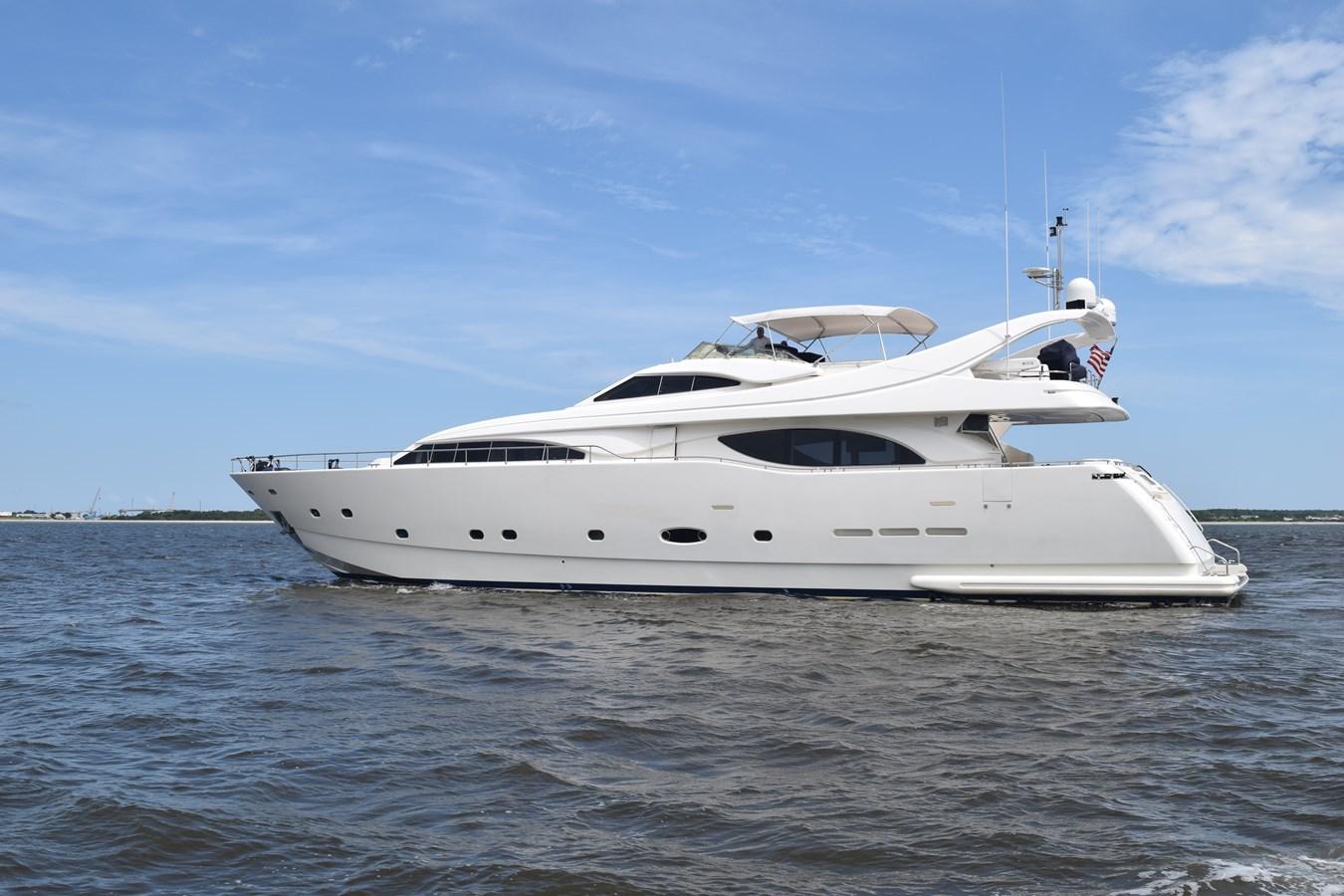 2003 FERRETTI YACHTS Custom Flybridge Motor Yacht 2710281
