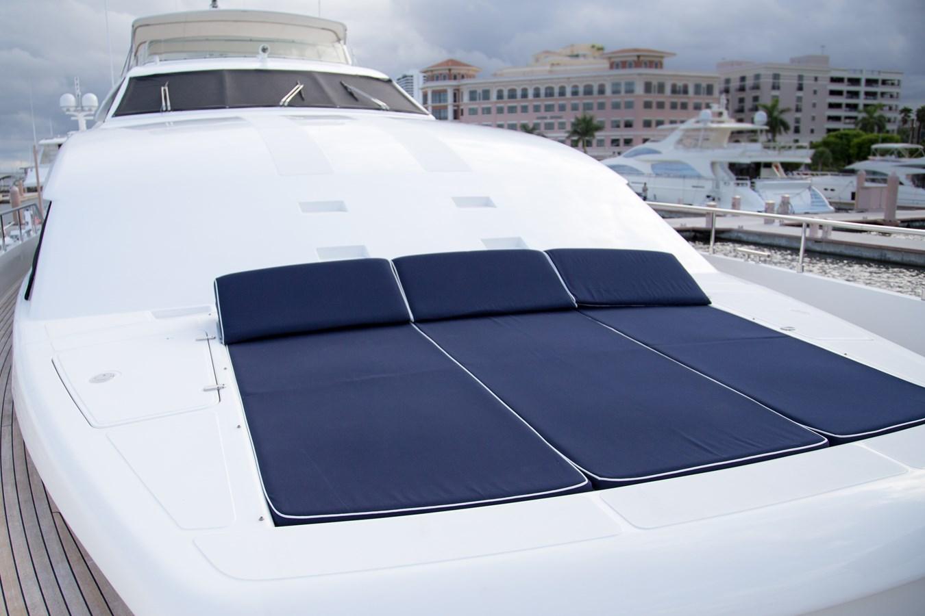 Sunpad 2003 FERRETTI YACHTS Custom Flybridge Motor Yacht 2710324