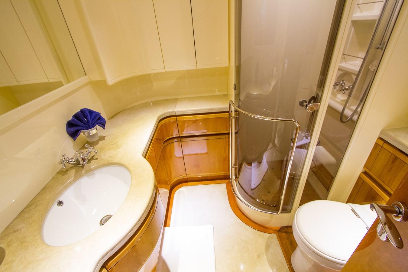 Guest Head and Shower 2003 FERRETTI YACHTS Custom Flybridge Motor Yacht 2710362