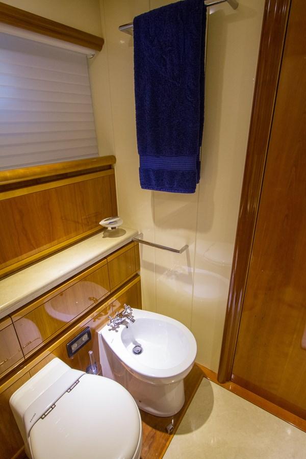Portside Guest Stateroom Head 2003 FERRETTI YACHTS Custom Flybridge Motor Yacht 2710364