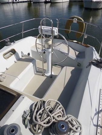P1010290 1989 ERICSON YACHTS Ericson 32-3 Cruising/Racing Sailboat 2710755