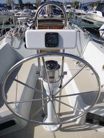 P1010291 1989 ERICSON YACHTS Ericson 32-3 Cruising/Racing Sailboat 2710756