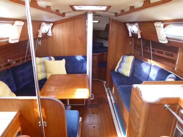 P1010314 1989 ERICSON YACHTS Ericson 32-3 Cruising/Racing Sailboat 2710766