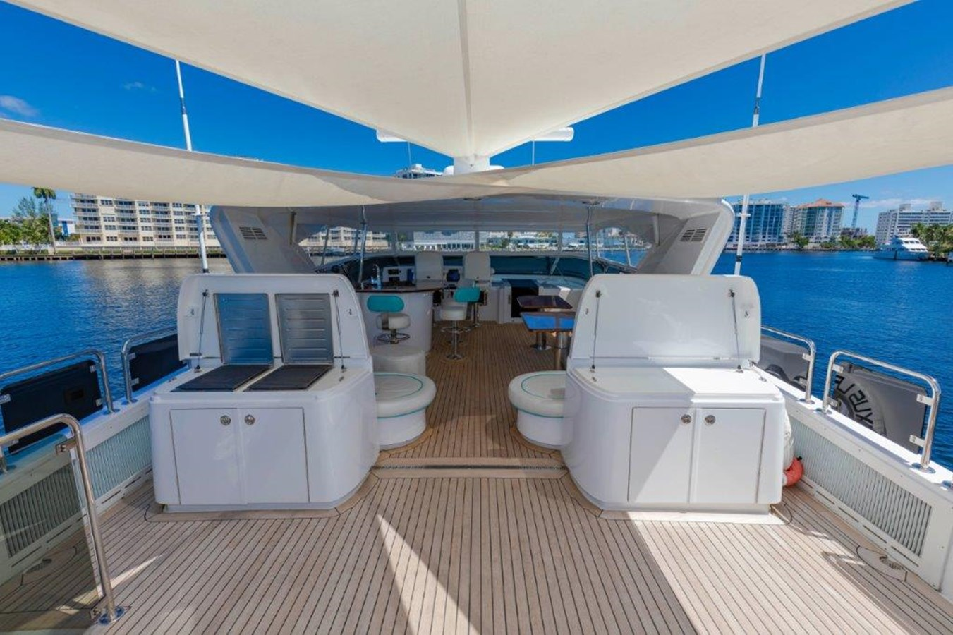 Flybridge Grill and Buffet 2013 HATTERAS  Motor Yacht 2711366