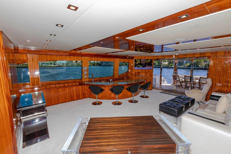 Main Salon Starboard 2013 HATTERAS  Motor Yacht 2711372