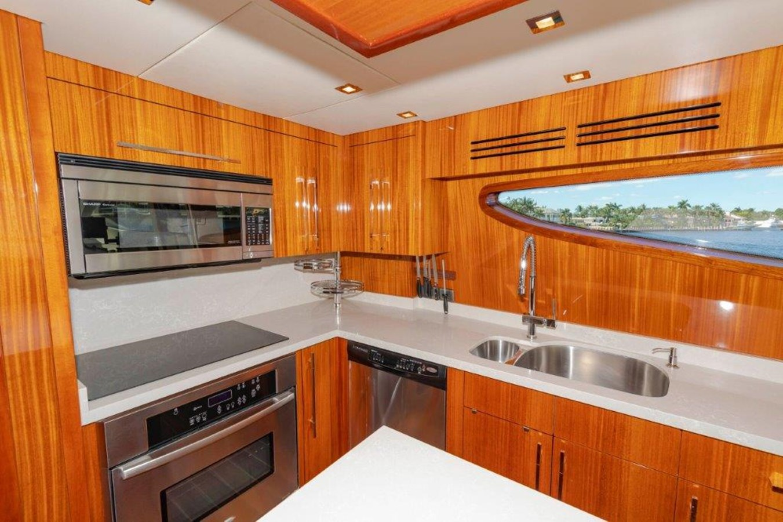 Galley  2013 HATTERAS  Motor Yacht 2711386